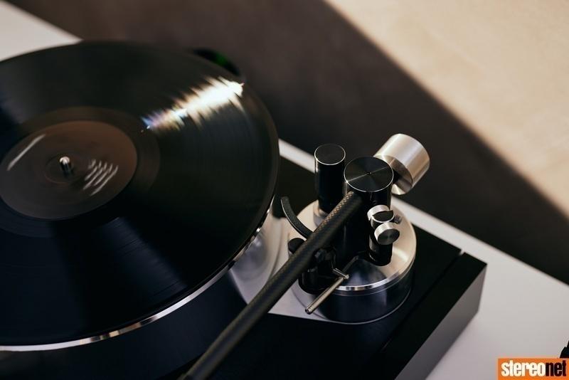 Solstice Special Edition: Bộ sản phẩm đặc biệt chứa chiếc mâm đĩa đầu tay của Naim Audio