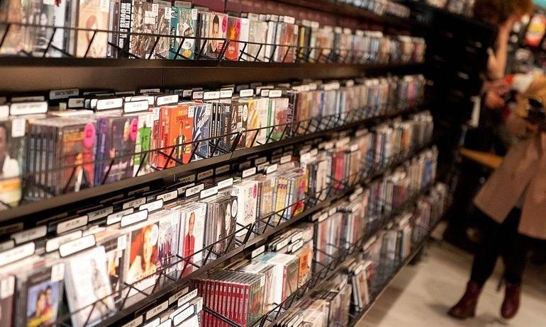 Chuỗi siêu thị Sainsbury tạm dừng kinh doanh mặt hàng đĩa CD, DVD