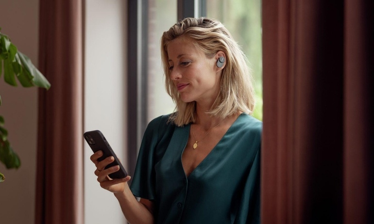 Philips bất ngờ trình làng mẫu tai nghe true wireless đầu tiên của Fidelio Series