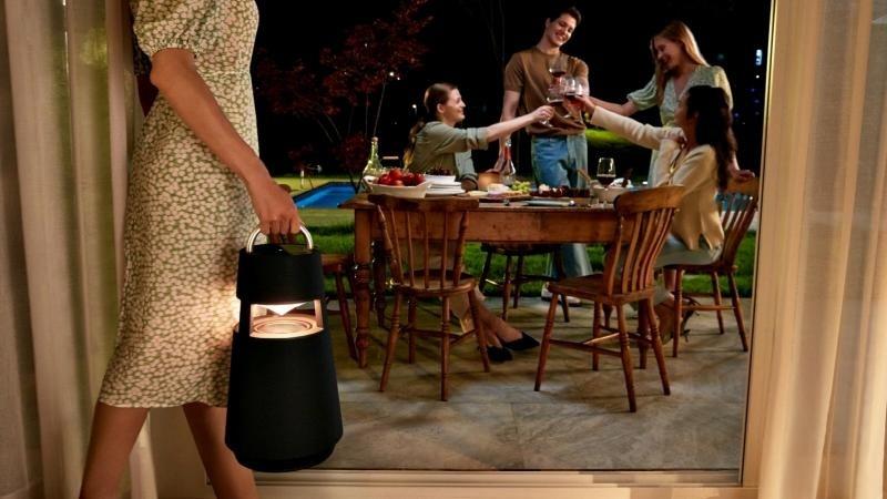 LG ra mắt XBOOM 360 RP4 với âm thanh khuấy động không gian tại mọi buổi tiệc