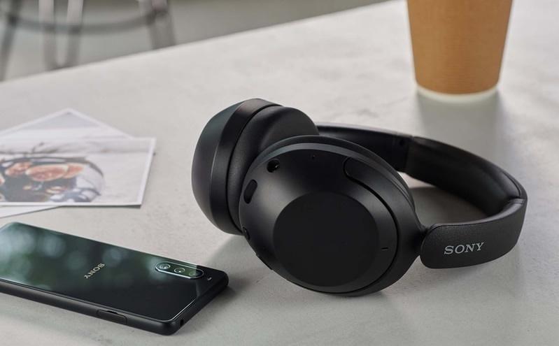 Sony hé lộ chiếc tai nghe true-wireless thể thao giá rẻ WF-C500