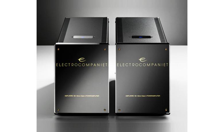 Cận cảnh power amp monoblock Electrocompaniet AW 180 M trong quá trình sản xuất