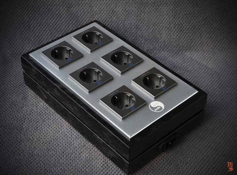 Chiêm ngưỡng vẻ đẹp từ ổ cắm điện hi-end S.I.N. Audio PSD Deep Black Edition