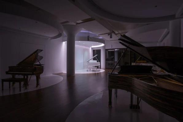 Có gì bên trong hầm ngầm bí ẩn của bảo vật piano Steinway?