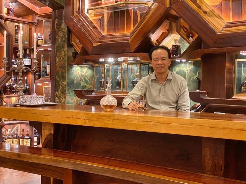Nhà sưu tầm rượu gốc Việt và BST whisky kỷ lục trị giá 13,9 triệu USD